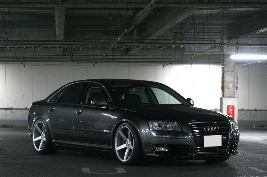 車道楽さん:Audi S8 with CV3